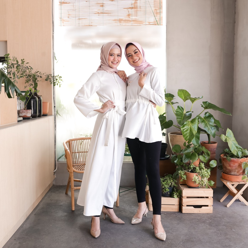alysa top white