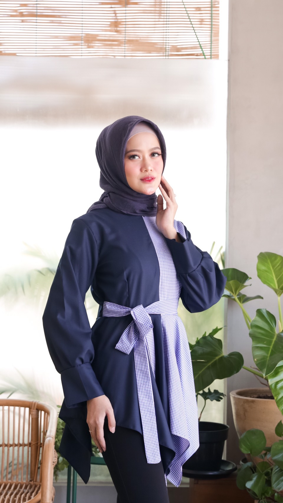 anya top gingham navy