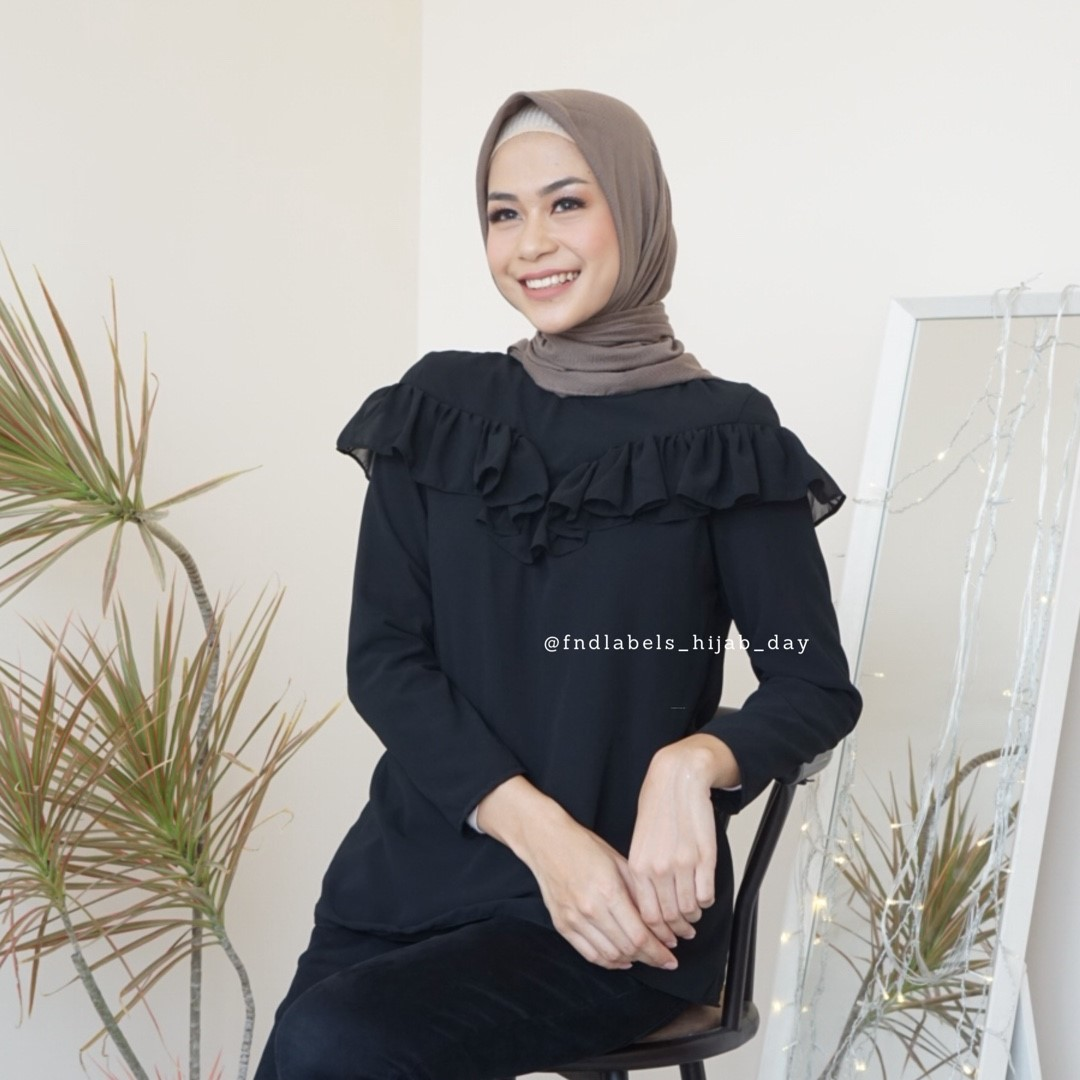 Elsie top black