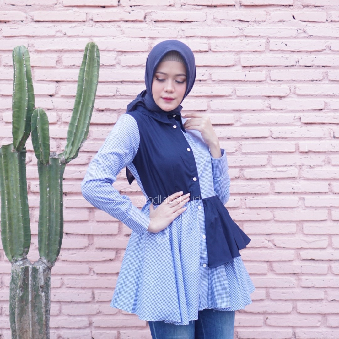 Roxie top gingham navy